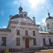 Храм Живоначальной Троицы апрель 2011 год.