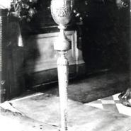 Церковь Троицкая. Фрагмент интерьера. Канделябр. Фотография 1920-х гг.